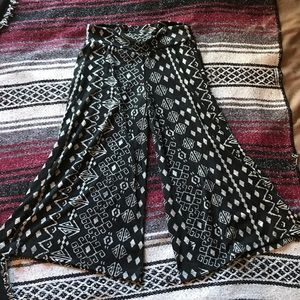 Patterned, flared, pant capris
